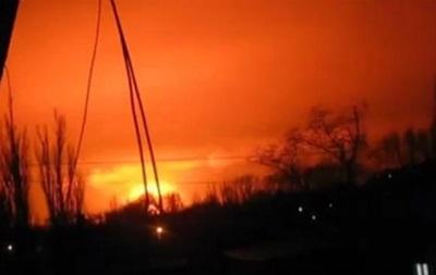 В Донецке взорвался склад боеприпасов - Азов