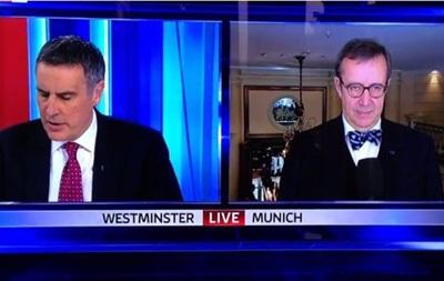 Президент Естонії образився на ведучого в прямому ефірі