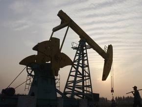 Рынок сырья: Нефть идет за фондовым рынком и против доллара