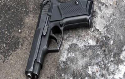 У Києві чоловік влаштував стрілянину посеред вулиці