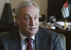 Президент Абхазии представил нового премьера