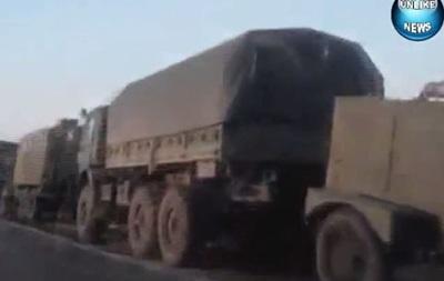 Появилось видео колонны военной техники РФ у границ Харьковской области
