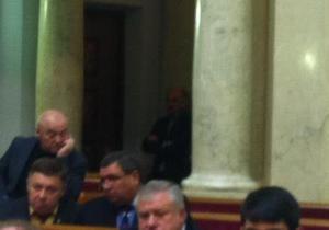 Оппозиция требует выгнать Александра Табалова из зала Рады