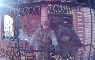 Правий сектор спалив  дачу  глави ДНР Захарченка