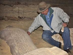 Археологи вскрыли обнаруженные в Саккаре саркофаги