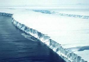 Антарктида - В Антарктике откололся гигантский айсберг