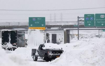 В США из-за снегопада столкнулись 30 машин