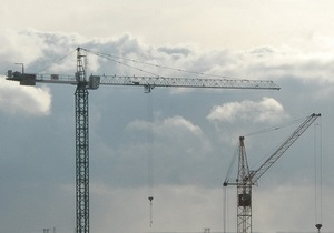 Азарова просят инициировать расследования против архитекторов скандальных строительств в Киеве