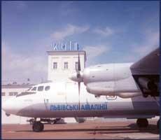 К аэропорту в Жулянах пустят дополнительный транспорт