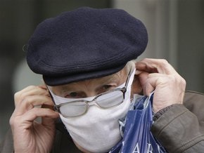 УНИАН: В киевском метро неизвестные продают маски по десять гривен за штуку
