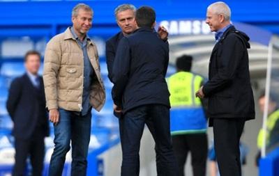 Абрамович дивився матч Челсі на морозі через суворий дрес-код у VIP-ложі