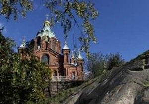 В Финляндии чеченцы организовали пикет у здания лютеранской церкви