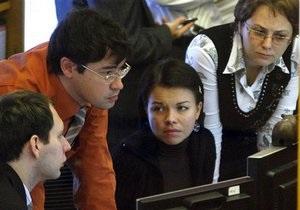 Украинские фондовые биржи завершили день обвалом индексов