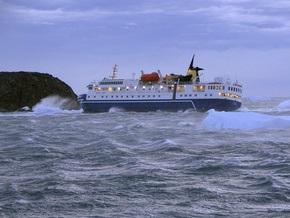 Среди членов экипажа севшего на мель лайнера Ocean Nova - двое украинцев