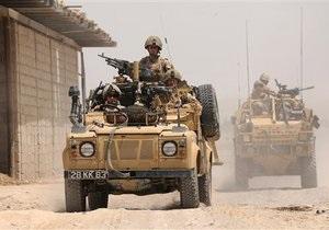 Британского солдата обвиняют в надругательстве над телами талибов