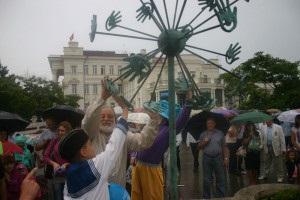 новости Севастополя - В Севастополе установили памятник Одуванчику