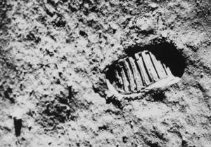Фотогалерея: Человек на Луне. Скончался легендарный астронавт Нил Армстронг