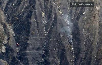 На місці авіакатастрофи в Альпах знайдений  чорний ящик