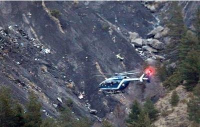 На місці аварії Airbus A320 поновилися пошуки