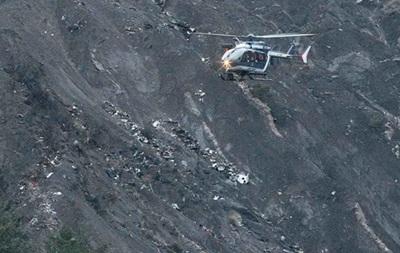 Пошуки в районі катастрофи А320 призупинено до четверга