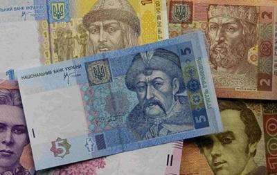 Дефіцит бюджету України зріс майже в два рази