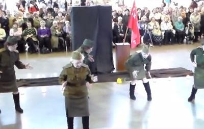 Російські пенсіонерки на конкурсі до 9 Травня станцювали під dubstep