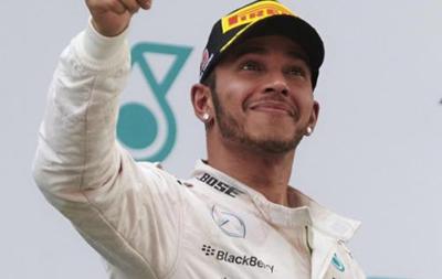 Хэмилтон подпишет новый контракт с Mercedes на этой неделе