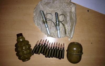 На центральном ж/д вокзале Киева задержан военнослужащий с гранатами