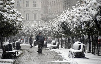 Підсумки 3 квітня: Заметілі на Західній Україні, обшук у екс-глави ДержНС