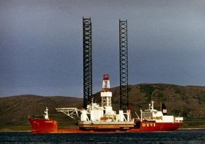 Крушение буровой платформы в Охотском море: шторм мешает поднять тела из воды
