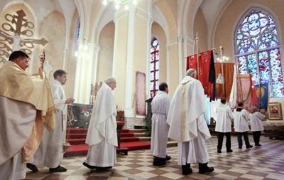 Католики и протестанты всего мира празднуют Пасху
