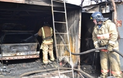 Пожар в гаражном кооперативе Одессы: пострадали семь спасателей