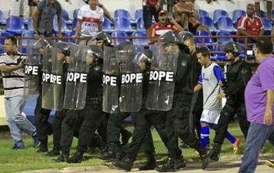 Бразильського футболіста заарештували просто на полі