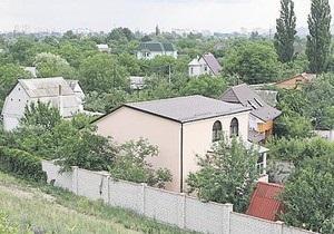 Снос дач на Русановских садах в Киеве откладывается