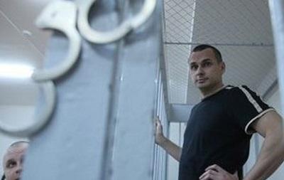 Олегу Сенцову продовжили арешт ще на місяць