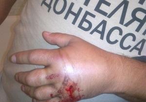 Мужчина в футболке Спасибо жителям Донбасса перенес операцию и написал заявление