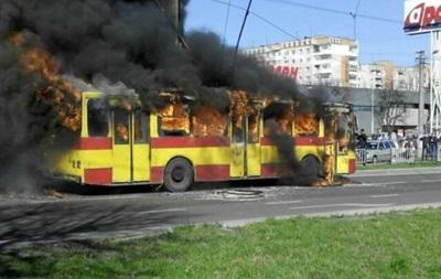 Во Львове оценили убытки из сгоревшего тралейбус