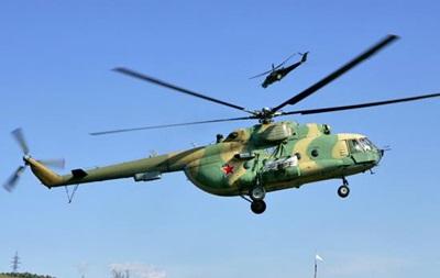 В небе над Луганщиной замечен вражеский военный вертолет