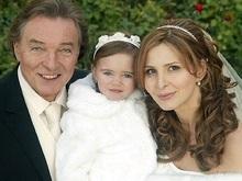 Золотой соловей Чехии впервые женился в возрасте 68 лет