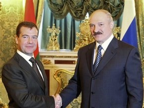 Опрос: 55% белорусов выступают против создания Союзного государства России и Беларуси