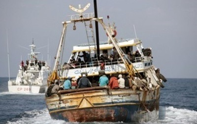 По дорозі з Лівії до Італії перекинулося судно, загинули 400 осіб – ЗМІ