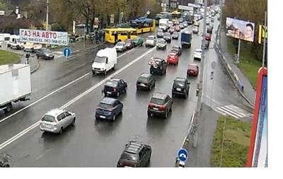 У Києві зіткнулися чотири авто та маршрутка