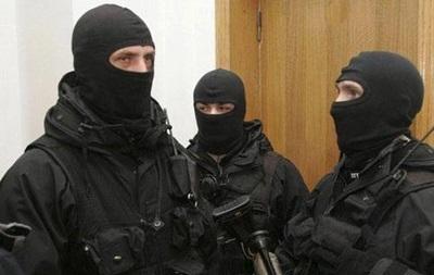 К жене Калашникова пришли с обыском - СМИ