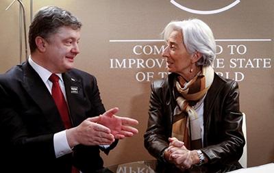 Лагард заверила Порошенко в поддержке реструктуризации долгов Украины