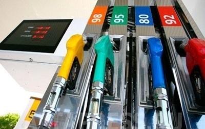 В Україні продажі бензину в березні знизилися на 40%