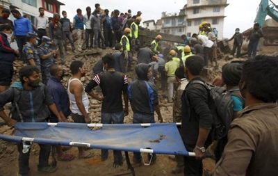 У Непалі після землетрусу не вийшли на зв язок 83 українці