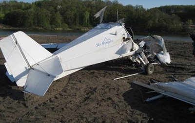 Під Києвом впав легкомоторний літак