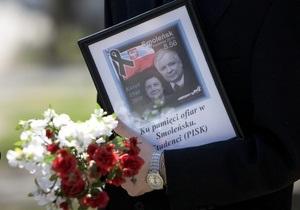 СМИ: Леха и Марию Качиньских похоронят в замке, где упокоились польские короли