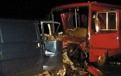 Автобус с демобилизованными разбился под Полтавой: двое погибших