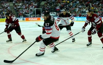 ЧС з хокею: Канада розім ялася на Латвії, США розтрощили фінів